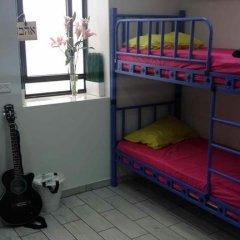 Отель German Colony Guest House Кровать в женском общем номере фото 3
