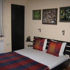 Отель Greek rooms in city centre 3* Номер с общей ванной комнатой с различными типами кроватей (общая ванная комната)