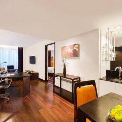 Отель Radisson Suites Bangkok Sukhumvit 5* Улучшенный номер фото 2