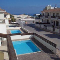 Отель Villa Wade Кипр, Протарас - отзывы, цены и фото номеров - забронировать отель Villa Wade онлайн бассейн