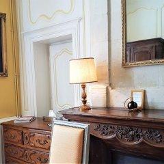 Отель Château De Beaulieu Сомюр в номере