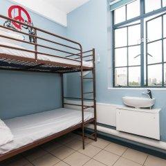 Отель Restup London Кровать в общем номере фото 33