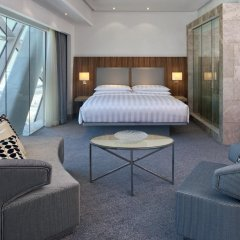 Отель Andaz Capital Gate Abu Dhabi - A Concept By Hyatt 5* Стандартный номер фото 3