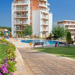 Апартаменты Crown and Imperial Fort Apartments бассейн