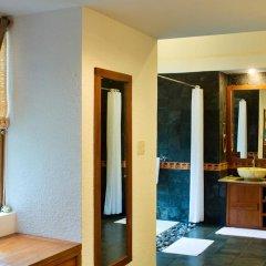 Отель Pilgrimage Village Hue 4* Улучшенный номер с различными типами кроватей фото 6