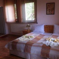 """Отель Toncho""""s Guest House & Mehana Велико Тырново комната для гостей фото 2"""