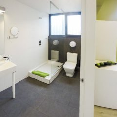 Отель Room018BCN Испания, Барселона - отзывы, цены и фото номеров - забронировать отель Room018BCN онлайн ванная