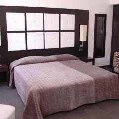 Отель Relais Navona71 сейф в номере