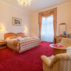 Отель Danubius Health Spa Resort Hvězda-Imperial-Neapol 4* Улучшенный номер с двуспальной кроватью