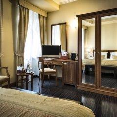 Hotel Dei Cavalieri 4* Номер Бизнес с двуспальной кроватью фото 7
