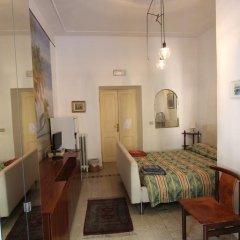Отель Da Alessia Per Dormire Al Coppedé Стандартный номер с различными типами кроватей фото 5