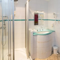 Отель Le Clocher de Rodez Франция, Тулуза - отзывы, цены и фото номеров - забронировать отель Le Clocher de Rodez онлайн ванная