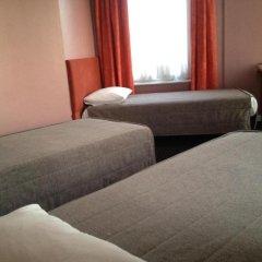Отель Hôtel Stalingrad 2* Стандартный номер с различными типами кроватей