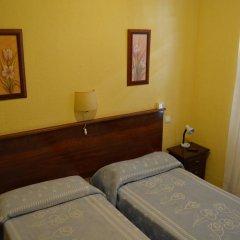 Отель Giraldilla Номер категории Эконом с различными типами кроватей фото 7