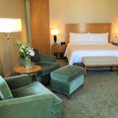 Four Seasons Hotel Mumbai 5* Номер Премьер с двуспальной кроватью фото 2
