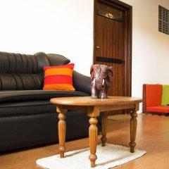 Отель Thumbelina Apartments & Hotel Шри-Ланка, Бентота - отзывы, цены и фото номеров - забронировать отель Thumbelina Apartments & Hotel онлайн интерьер отеля