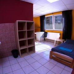 Хостел Seven Prague Номер с общей ванной комнатой с различными типами кроватей (общая ванная комната) фото 27