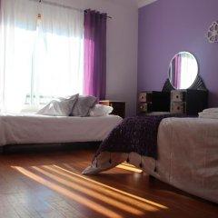 Хостел Ericeira Chill Hill Hostel & Private Rooms Стандартный номер с двуспальной кроватью (общая ванная комната) фото 4
