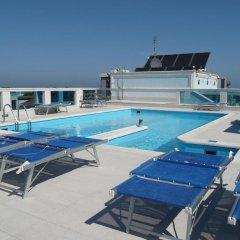 Отель Villa Mare Италия, Риччоне - отзывы, цены и фото номеров - забронировать отель Villa Mare онлайн бассейн