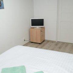 Гостиница Oh My Kant on Olshtynskaya Стандартный номер с двуспальной кроватью (общая ванная комната) фото 7