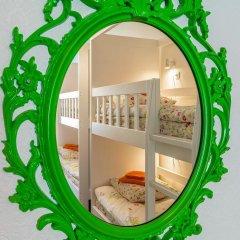 Хостел Друзья на Литейном Кровать в мужском общем номере с двухъярусной кроватью фото 10