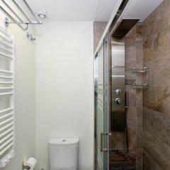 Отель Book in Madrid Cascorro Deluxe Мадрид ванная