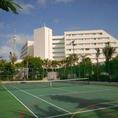 Отель Oasis Palm Hotel Мексика, Канкун - 9 отзывов об отеле, цены и фото номеров - забронировать отель Oasis Palm Hotel онлайн спортивное сооружение