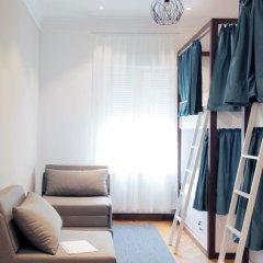 Отель Karavan Inn Кровать в общем номере с двухъярусной кроватью фото 25