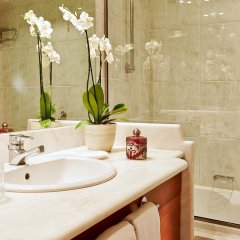 Отель Grecotel Daphnila Bay ванная фото 2