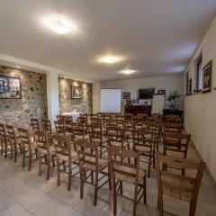 Отель Albergo La Foresteria Синалунга помещение для мероприятий