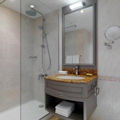 Отель Marriott Armenia Hotel Yerevan Армения, Ереван - 12 отзывов об отеле, цены и фото номеров - забронировать отель Marriott Armenia Hotel Yerevan онлайн ванная