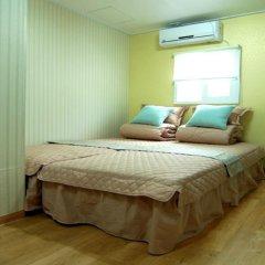 Отель Vestin Residence Myeongdong 2* Стандартный номер с двуспальной кроватью фото 2