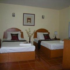 Отель Patong Rose Guesthouse 2* Улучшенный номер с различными типами кроватей фото 3