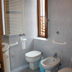 Отель Affittacamere Il Dono Италия, Флоренция - отзывы, цены и фото номеров - забронировать отель Affittacamere Il Dono онлайн ванная фото 2