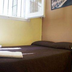 Отель Hostal MiMi Las Ramblas Номер категории Эконом с двуспальной кроватью (общая ванная комната) фото 8