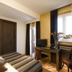 Hotel Trevi 3* Улучшенный номер с различными типами кроватей фото 2
