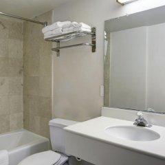 Отель GreenTree Pasadena Inn США, Пасадена - отзывы, цены и фото номеров - забронировать отель GreenTree Pasadena Inn онлайн ванная фото 2