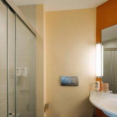 Отель ibis Singapore On Bencoolen 3* Стандартный номер с 2 отдельными кроватями фото 5
