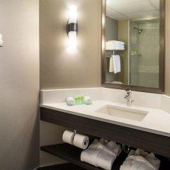 Отель Saskatoon Inn 3* Улучшенный номер с различными типами кроватей фото 2