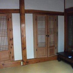 Отель Hyosunjae Hanok Guesthouse 2* Стандартный номер с двуспальной кроватью фото 4