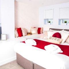 Отель Flat 2, Falcondale House 5 South Cliff Великобритания, Истборн - отзывы, цены и фото номеров - забронировать отель Flat 2, Falcondale House 5 South Cliff онлайн комната для гостей фото 3