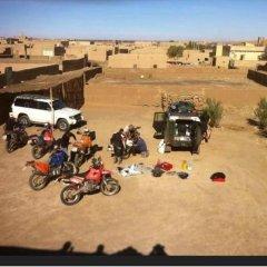 Отель Merzouga Riad and Bivouac Excursion Марокко, Мерзуга - отзывы, цены и фото номеров - забронировать отель Merzouga Riad and Bivouac Excursion онлайн парковка