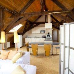 Отель Guesthouse Maison de la Rose 3* Стандартный семейный номер с различными типами кроватей фото 4