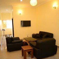 Апартаменты Deuces Court Apartments комната для гостей фото 5