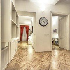 Апартаменты Residence Salvator - Prague City Apartments сейф в номере