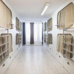 Hostel One Ramblas Кровать в общем номере фото 4