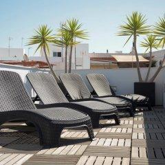Отель Hostal la Pasajera Испания, Кониль-де-ла-Фронтера - отзывы, цены и фото номеров - забронировать отель Hostal la Pasajera онлайн бассейн фото 2