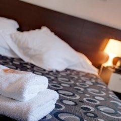 Отель Hostal Besaya Стандартный номер с двуспальной кроватью