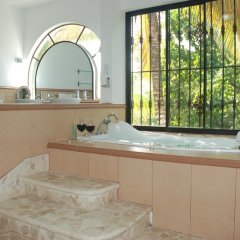 Отель E&J Boutique Residences 3* Люкс с различными типами кроватей фото 15
