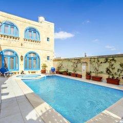 Отель Vecchio Mulino B&B Мальта, Зеббудж - отзывы, цены и фото номеров - забронировать отель Vecchio Mulino B&B онлайн бассейн